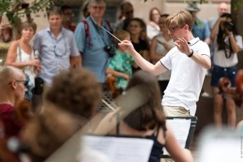 Chef d'orchestre de la flashmob